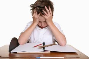 niño tdah estudiando